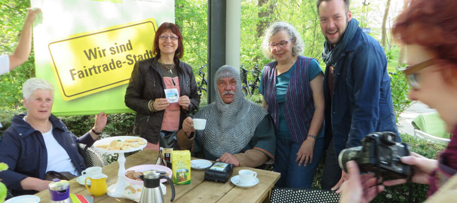 Graf Bernhard aus Lippstadt trinkt fairen Kaffee